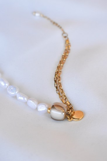 bracelet_BEIGE_CUBE_AND_PEARLS2