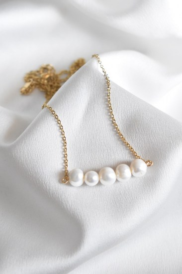 necklace_CHAIN_WITH_PEARLS1